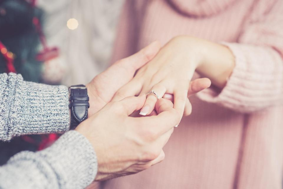 A Christmas proposal isn't the dream for everyone? [Photo: Getty]