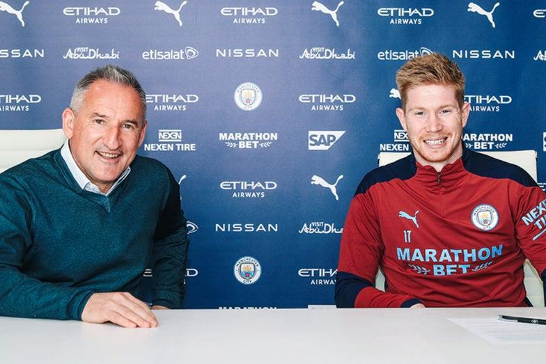 Manchester City midfielder Kevin De Bruyne signs new contract (Manchester City FC)