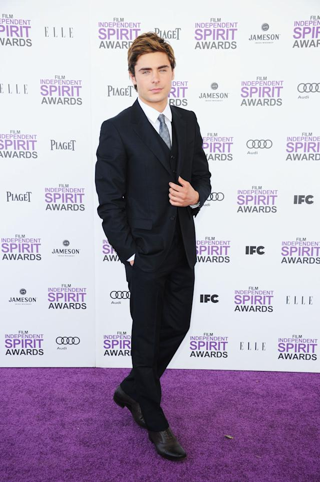 SANTA MONICA, CA - FEBRUARY 25:  Actor Zac Efron arrives at the 2012 Film Independent Spirit Awards on February 25, 2012 in Santa Monica, California.  (Photo by Alberto E. Rodriguez/Getty Images)