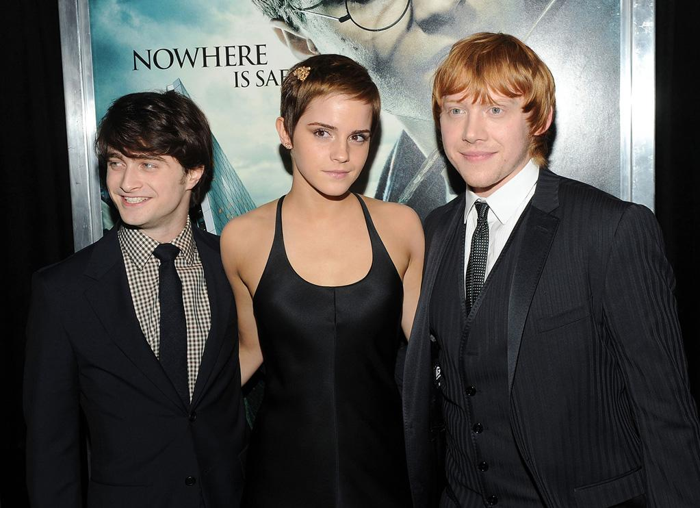 """<a href=""""http://movies.yahoo.com/movie/contributor/1802866080"""">Daniel Radcliffe</a>, <a href=""""http://movies.yahoo.com/movie/contributor/1802866081"""">Emma Watson</a> and <a href=""""http://movies.yahoo.com/movie/contributor/1802866082"""">Rupert Grint</a> attend the New York premiere of <a href=""""http://movies.yahoo.com/movie/1810004780/info"""">Harry Potter and the Deathly Hallows - Part 1</a> on November 15, 2010."""