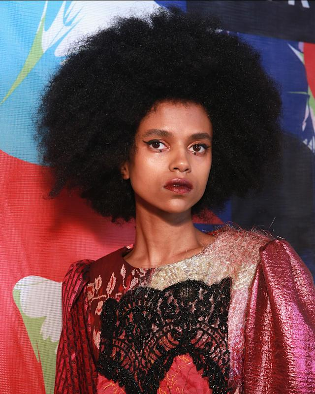 <p>A full-on 'fro and dotted eyeliner are a winning pair. (Photo: Getty Images) </p>
