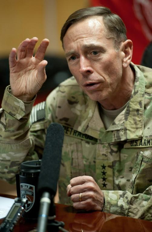 Former US Middle East military commander General David Petraeus, now retired, said that the United States has restored credibility to its military threat against Iran with the killing of Revolutionary Guards Commander Qasem Soleimani (AFP Photo/PAUL J. RICHARDS)