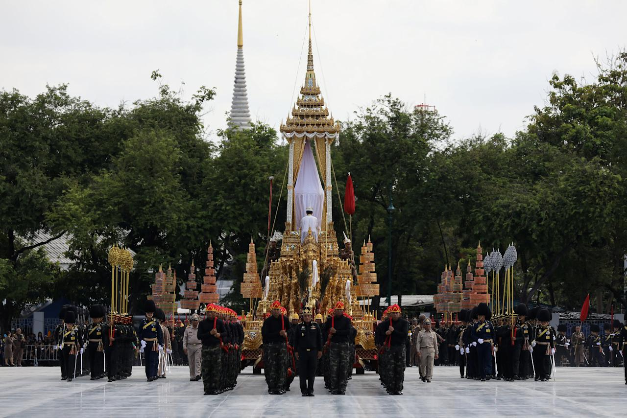 Officials take part during a funeral rehearsal for late Thailand's King Bhumibol Adulyadej near the Grand Palace in Bangkok, Thailand, October 15, 2017. REUTERS/Athit Perawongmetha
