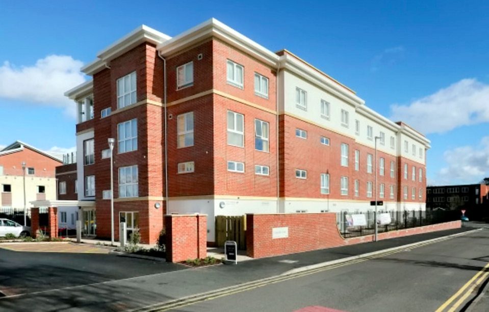 The Chandler Arms opened its doors for people living in Chandler Court in Bromsgrove, Worcs., over Christmas. (SWNS)