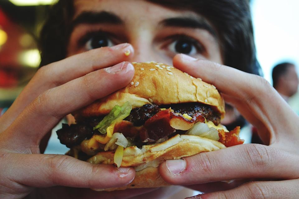 Struggle with convincing your teen to eat better? You're not alone. Nutrionists also make every effort to get their teens to make conscious, healthy-eating choices. (Photo: Getty Creative)