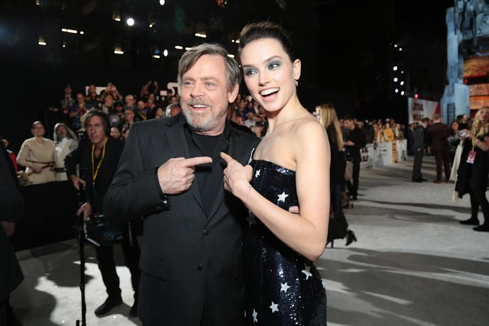 Mark Hamill and Daisy Ridley point fingers. (Photo: Alex J. Berliner/ABImages)