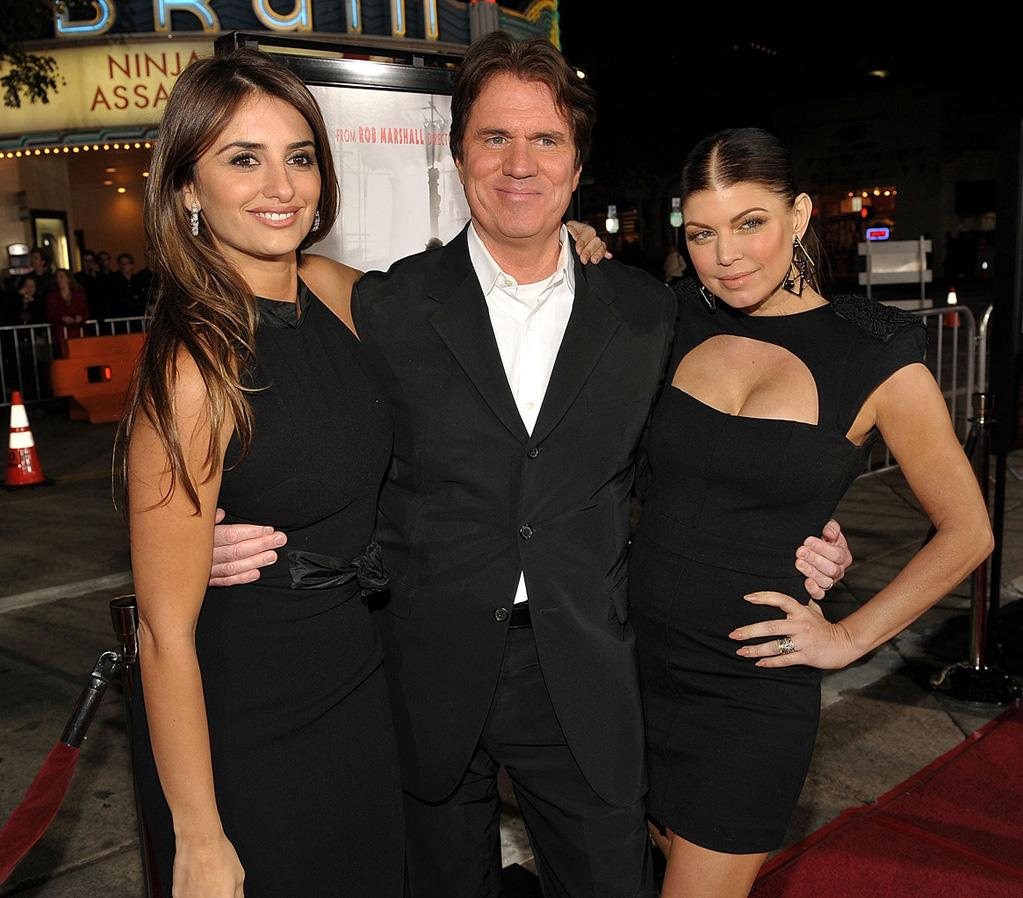 """<a href=""""http://movies.yahoo.com/movie/contributor/1800019548"""">Penelope Cruz</a>, director <a href=""""http://movies.yahoo.com/movie/contributor/1800283549"""">Rob Marshall</a> and <a href=""""http://movies.yahoo.com/movie/contributor/1809169648"""">Stacy Ferguson</a> at the Los Angeles premiere of <a href=""""http://movies.yahoo.com/movie/1810053986/info"""">Nine</a> - 12/09/2009"""