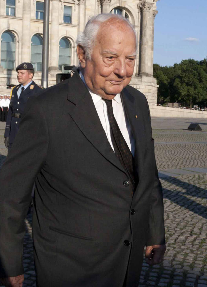 FILE - In this July 20 , 2010 file picture Ewald-Heinrich von Kleist, walks in Berlin, Germany to attend a military ceremony. Ewald-Heinrich von Kleist, the last surviving member of the main plot to kill Adolf Hitler and who once volunteered to wear a suicide vest to assassinate the Nazi dictator, has died. He was 90. Von Kleist's wife, Gundula von Kleist said Tuesday March 12, 2013 her husband died at his home in Munich on March 8. (AP Photo/Henning Schacht, Pool, file)