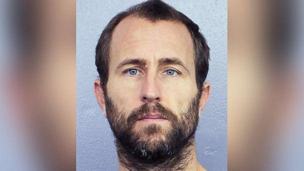 PHOTO: Lewis Bennett is pictured in an undated booking photo released by the Broward Sheriff's office in Florida. (Broward Sheriff)