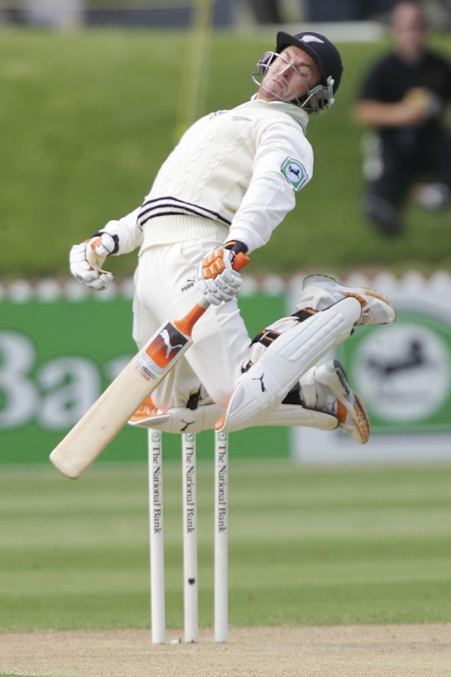 WELLINGTON, NEW ZEALAND - DECEMBER 16:  Brendon McCullum of New Zealand dodges a bouncer during Day two of the second test match between New Zealand and Sri Lanka at the Basin Reserve December 16, 2006 in Wellington, New Zealand.  (Photo by Marty Melville/Getty Images)