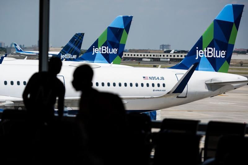 JetBlue Eliminates Jobs in Step Toward $300 Million in Cost Cuts