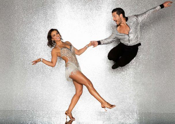 PHOTO: Victoria Arlen and pro dancer Val Chmerkovskiy will compete for the mirror ball title on the new season 'Dancing With The Stars.' (Craig Sjodin/ABC)