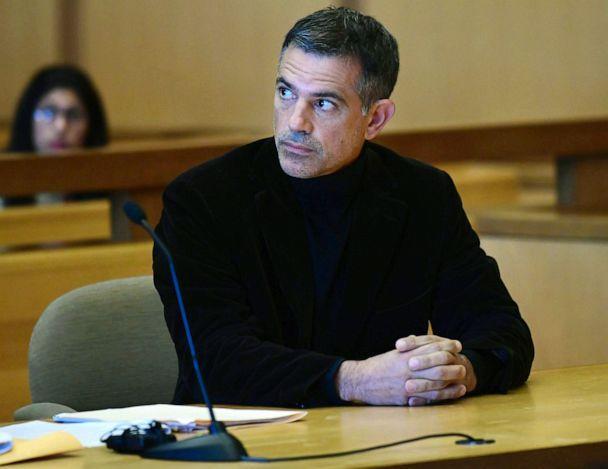 PHOTO: Fotis Dulos, charged with two counts of tampering with evidence and hindering prosecution in the disappearance of his wife, appears with his attorney Kevin Smith at Stamford Superior Court for a pre-trial hearing, Oct. 4, 2019, in Stamford, Conn. (Erik Trautmann/Hearst Connecticut Media via AP)