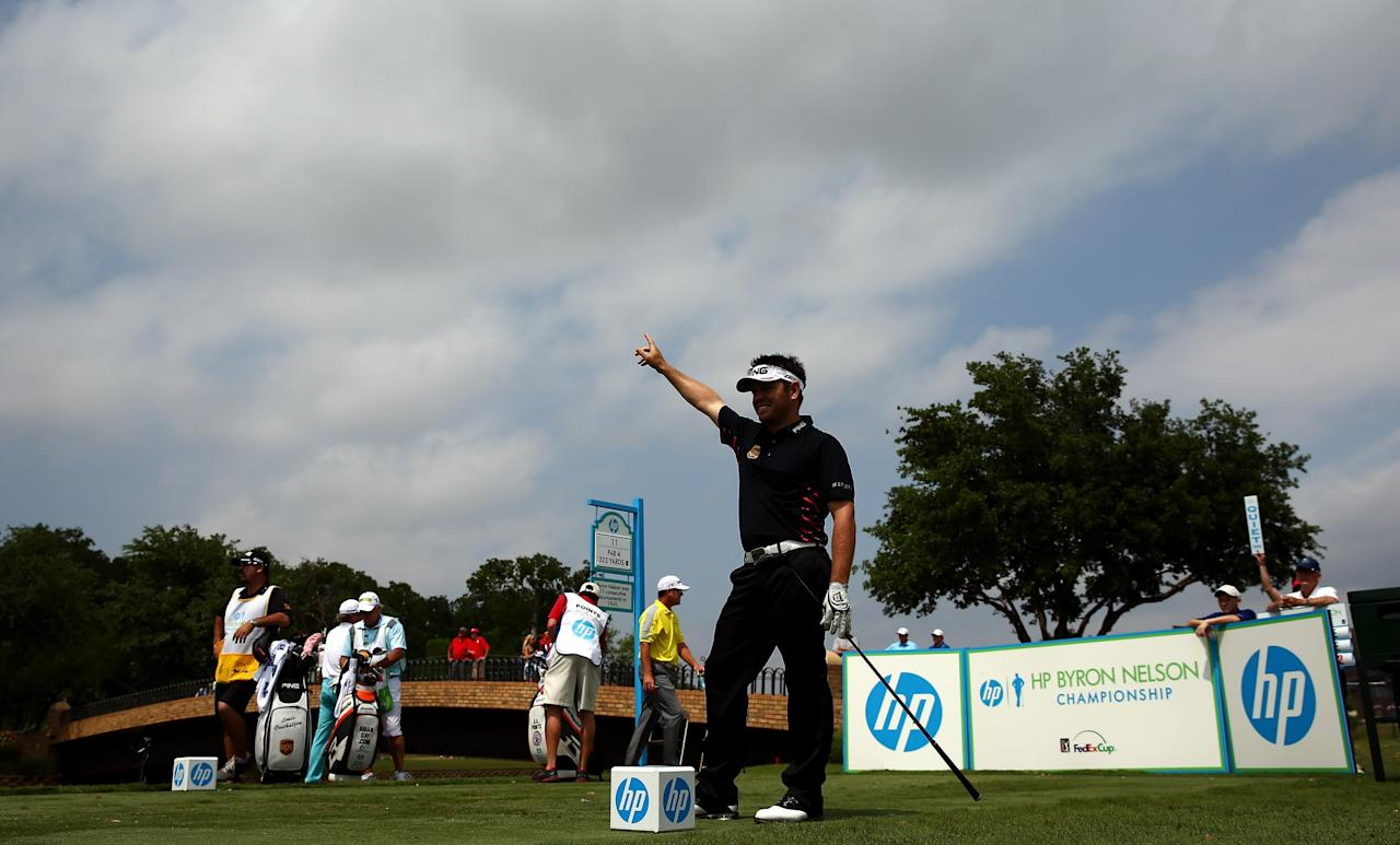 IRVING, TX - MAY 16: Louis Oosthuizen of South Africa rescts to a tee shot during the first round of the 2013 HP Byron Nelson Championship at the TPC Four Seasons Resort on May 16, 2013 in Irving, Texas. (Photo by Tom Pennington/Getty Images)