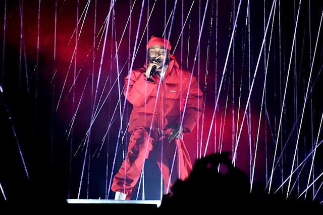<p>Kendrick Lamar performs during the VMAs. (Photo: John Shearer/Getty Images for MTV) </p>