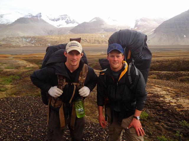 Katmai National Park and Preserve, Alaska, USA: Dallas Seavey & Tyrell Seavey.