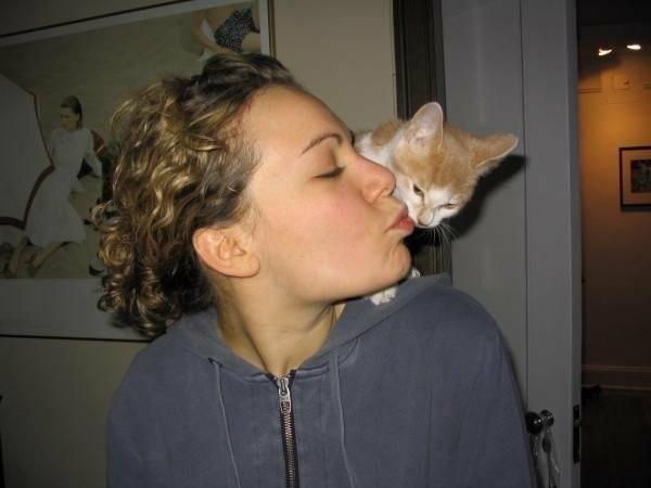 Rachel Kleinman learned on January 21 that Fisher, her orange-and-white cat and companion of nearly 14 years, had lymphoma. (Credit: Photo courtesy of Rachel Kleinman)