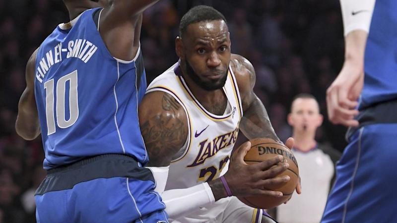 Lebron Assists Lakers To Nba Win Over Mavs