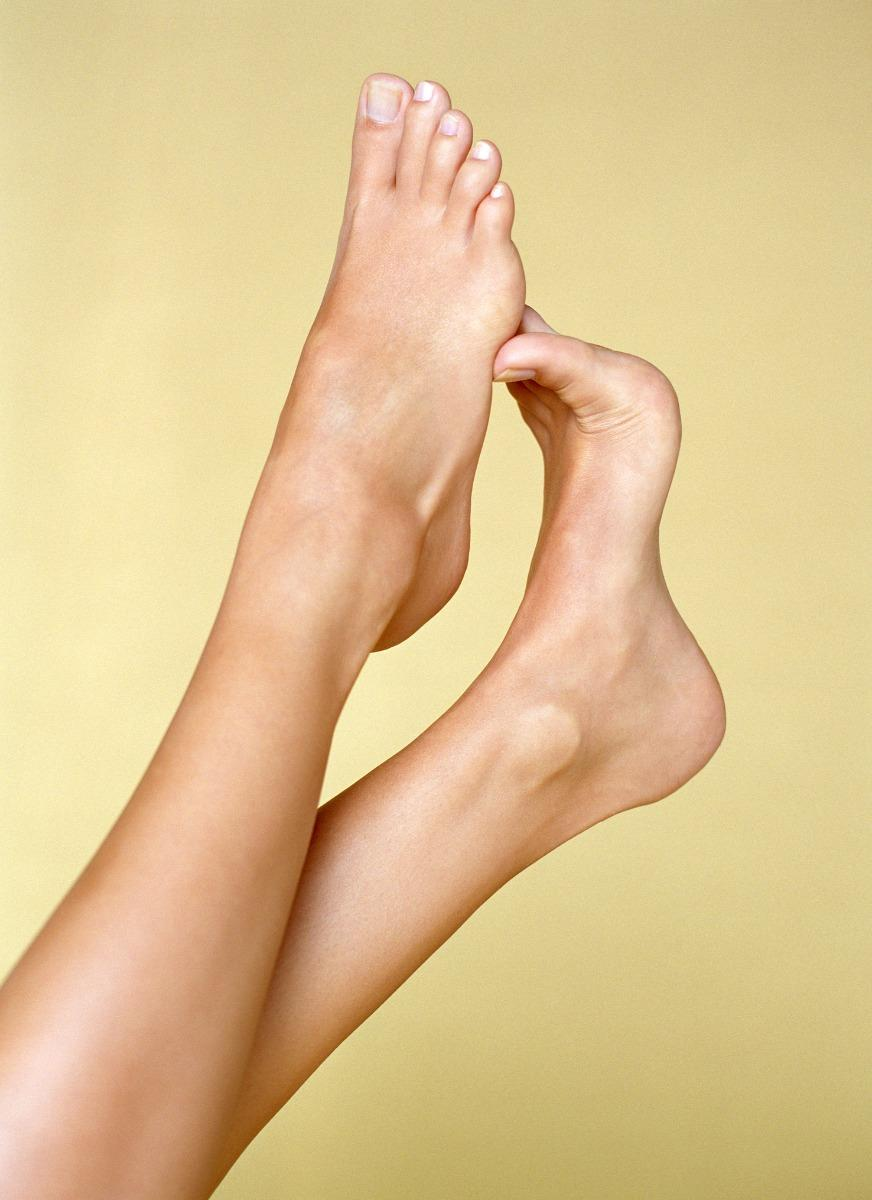 Foot peels help remove layers of dead skin in as little as one week. (Image via Getty Images)