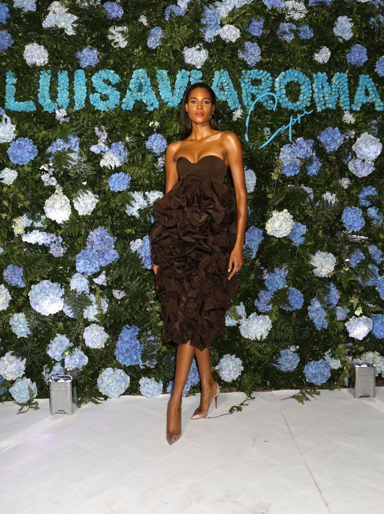 <p><strong>28 August</strong> The night before, Cindy Bruna attended a Luisa Via Roma presentation in Capri wearing a ruffled dress by Balmain. </p>