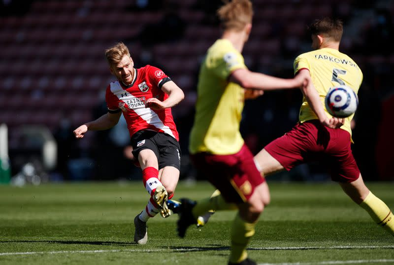 Premier League - Southampton v Burnley