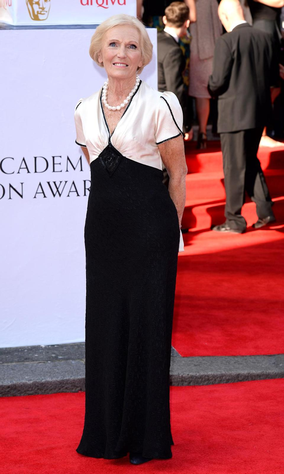 Mary looked elegant in a floor-length monochrome dress at the 2014 BAFTAs. [Photo: Getty]