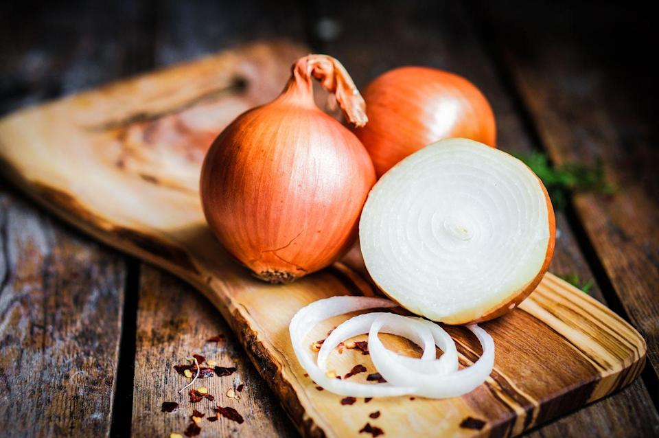 <p>They're champs when it comes to polyphenols and flavonoids, which are both linked to lower oxidative stress and reduced cancer risk. An onion's sulfur compounds can also help control diabetes symptoms and protect your heart from disease. Tip: The outermost layers tend to hold more healthy nutrients.</p>
