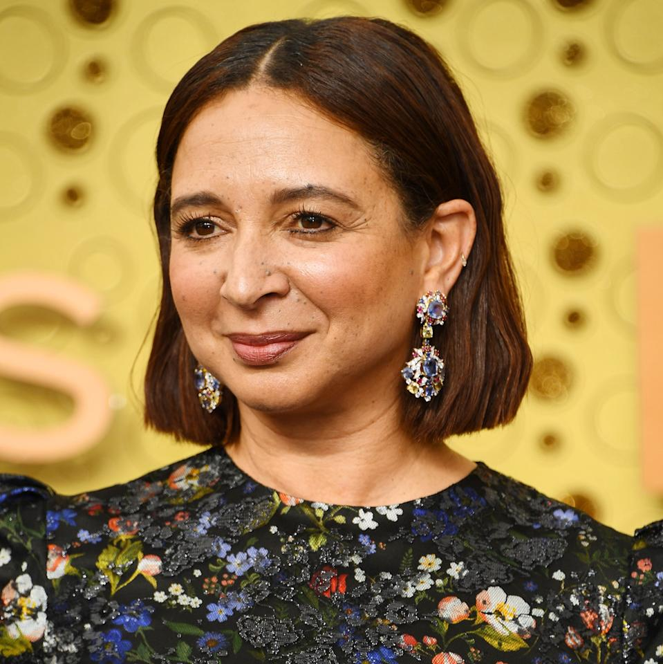 There's nothing funny about Maya Rudolph stepping into the Hollywood pantheon of women who can really, <em>really</em> pull off a bob. As for beauty, she kept the look barely-there but did include a glorious gold highlighter along her cheeks.