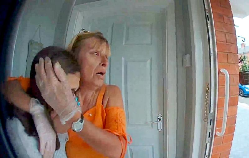 Footage of Sharon Boalch and Shakira Jefferies when they realise that their cat Cleo was mauled to death on the driveway of their home in Worcester (SWNS)