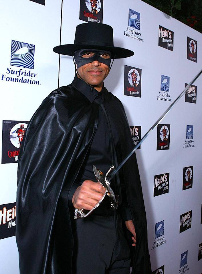 """Retired Los Angeles Laker Rick Fox dresses up as Zorro, which is ironically the name for """"fox"""" in Spanish. Alexandra Wyman/<a href=""""http://www.wireimage.com"""" target=""""new"""">WireImage.com</a> - October 31, 2007"""
