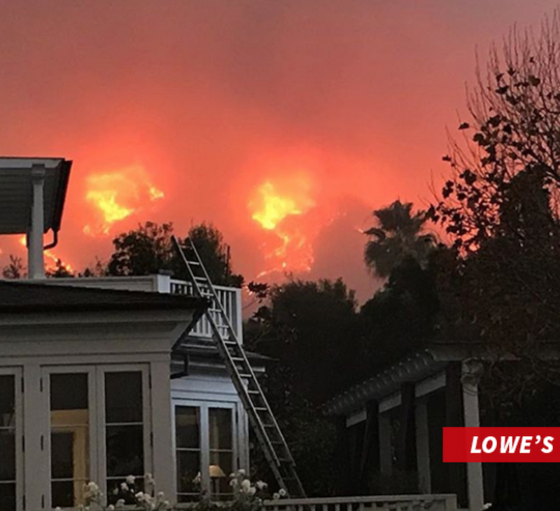 screen shot 2017 12 18 at 1 25 59 pm Rob Lowe suits up to battle Thomas Fire in Santa Barbara, feeds firefighter crew