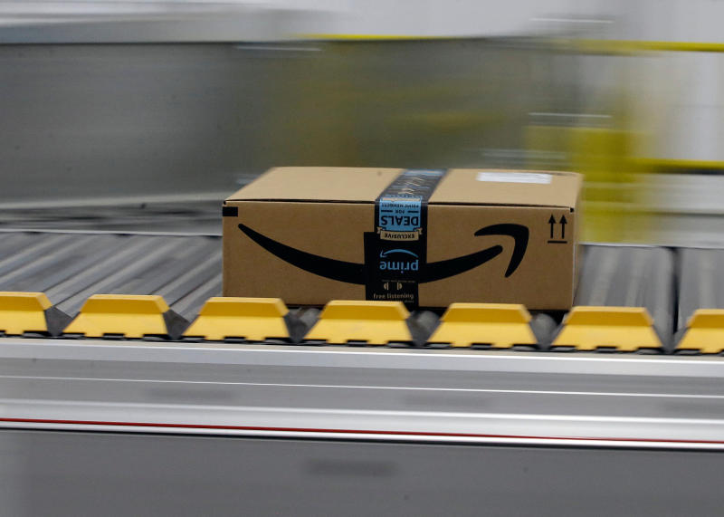 Trump Bashes Bezos's Baby, but US Government Is a 'Yooge' Amazon Customer