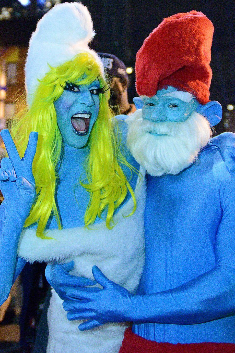 <p>Papa Smurf and Smurfette left the Smurf village to have a little Halloween fun in Toronto.</p>
