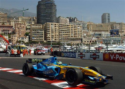 Italy's Giancarlo Fisichella steers his Renault racer during practice for Sunday's Formula One Monaco Grand Prix, at the Monaco racetrack, Saturday, May 27, 2006. (AP Photo/Christian Lutz)