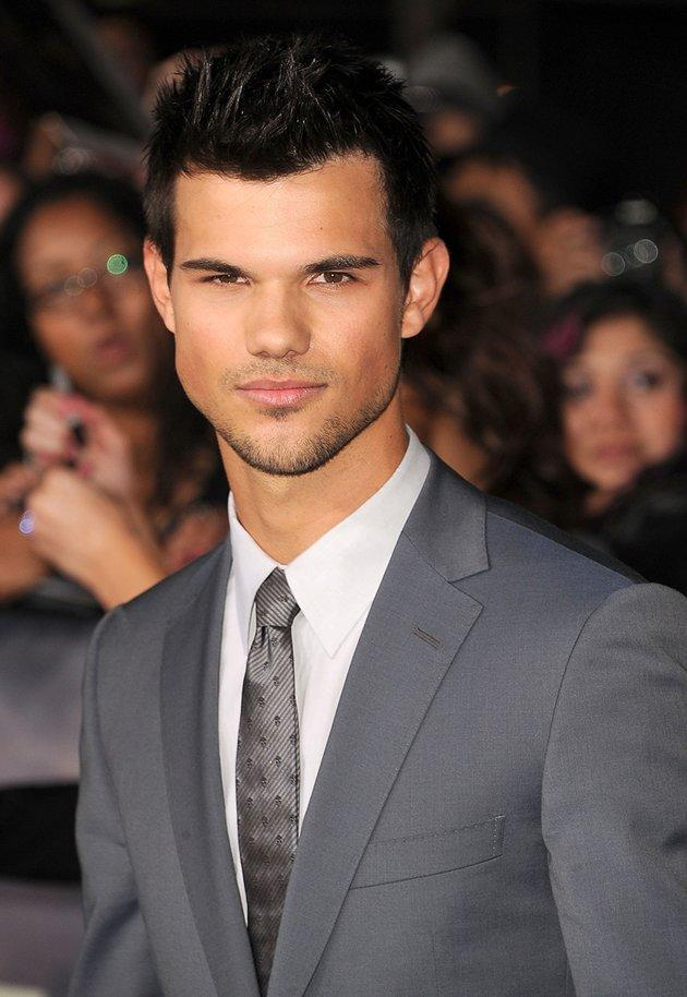 """Taylor Lautner: Taylor Lautner, who presented at the 2010 Golden Globes, is not far behind his """"Twilight"""" co-star Robert Pattinson. For every $1 paid, he brings in $29.50.  Click here to see more stars that made the Forbes list."""