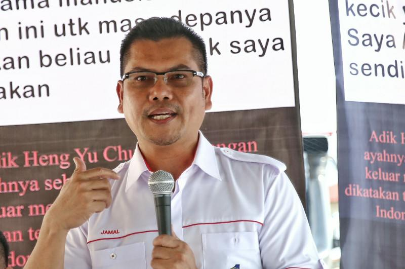 Datuk Jamal Yunos today repeated his pledge that he will rally 300,000 people to counter the Bersih 5 protest planned for November 19. — Picture by Saw Siow Feng