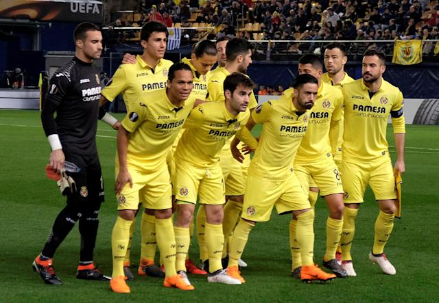 Soccer Football - Europa League Round of 32 Second Leg - Villarreal vs Olympique Lyonnais - Estadio de la Ceramica, Villarreal, Spain - February 22, 2018 Villarreal players pose for a team group photo before the match REUTERS/Heino Kalis