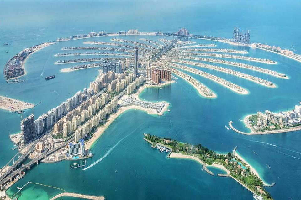 An aerial view of Dubai Palm Jumeirah island, United Arab Emirates (Getty Images/iStockphoto)