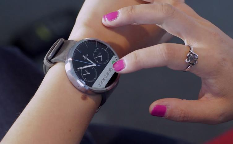 Motorola's gorgeous Moto 360 smartwatch goes on sale today at noon