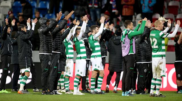 Soccer Football - Europa League Round of 16 Second Leg - Viktoria Plzen vs Sporting CP - Doosan Arena, Plzen, Czech Republic - March 15, 2018 Sporting players applaud their fans after the match REUTERS/Milan Kammermayer