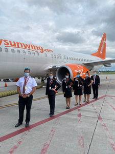 The first Sunwing Airlines flights to the sun since January took off today from Toronto Pearson International Airport and Montréal-Pierre Elliott Trudeau International Airport