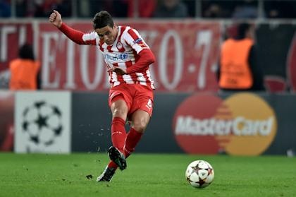 Afellay joins Stoke's growing corps of ex-Barcelona players. (AFP Photo)