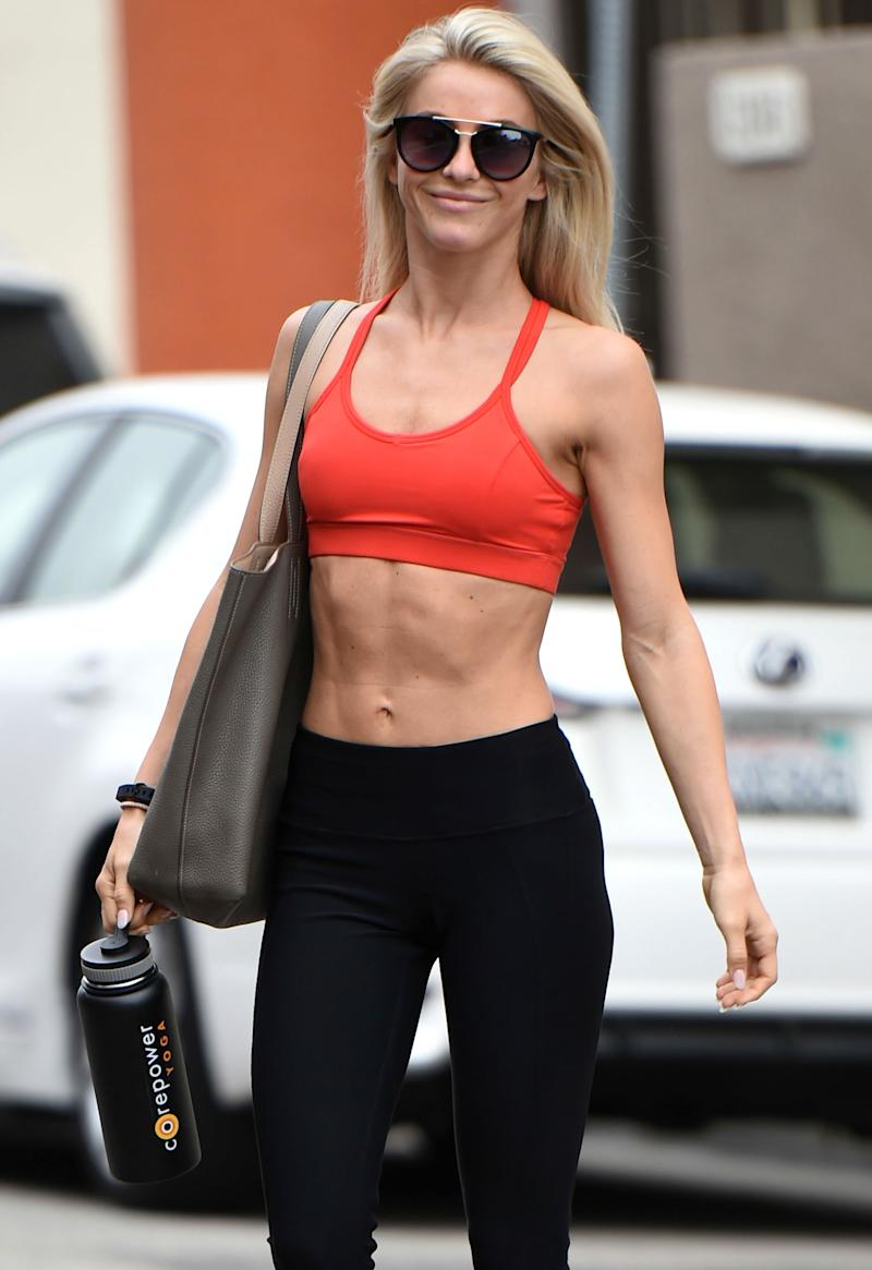 Julianne Hough Grins and Bares — Her Abs! — After a Workout