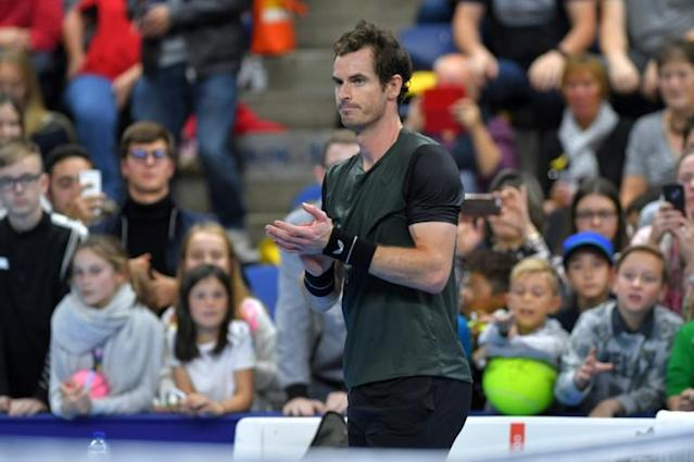 Andy Murray soaks up the atmosphere in Antwerp (AFP Photo/LUC CLAESSEN)