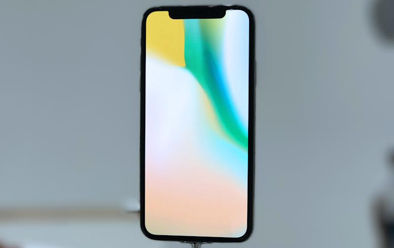 You Can Add The Iphone X S Notch To Any Other Iphone