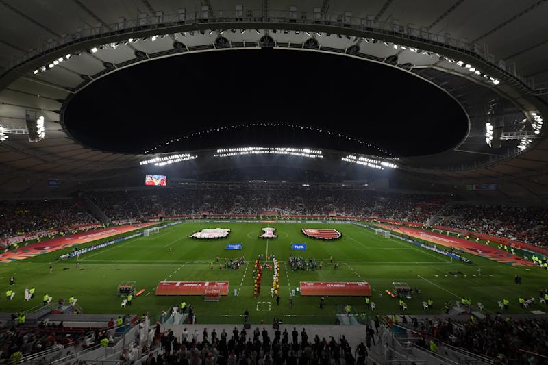 DOHA, QATAR - DECEMBER 21: A general view as players of Liverpool and CR Flamengo walk out ahead of the FIFA Club World Cup Qatar 2019 Final match between Liverpool FC and CR Flamengo at Khalifa International Stadium on December 21, 2019 in Doha, Qatar. (Photo by Mike Hewitt - FIFA/FIFA via Getty Images)