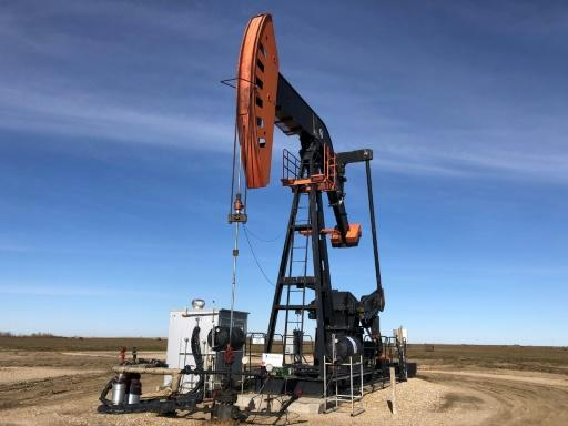 Oil prices fell sharply on lingering uncertainty over US-China trade talks