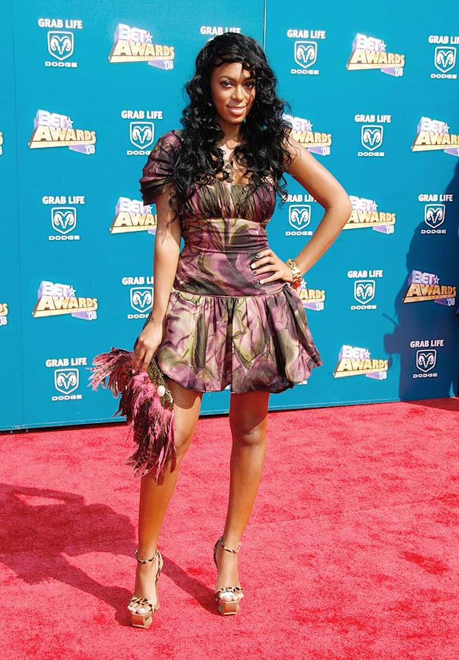 """Beyonce's baby sis Solange ruined her look by accessorizing with an unsightly clutch, cheap heels, and an unruly weave. Frazer Harrison/<a href=""""http://www.gettyimages.com/"""" target=""""new"""">GettyImages.com</a> - June 24, 2008"""