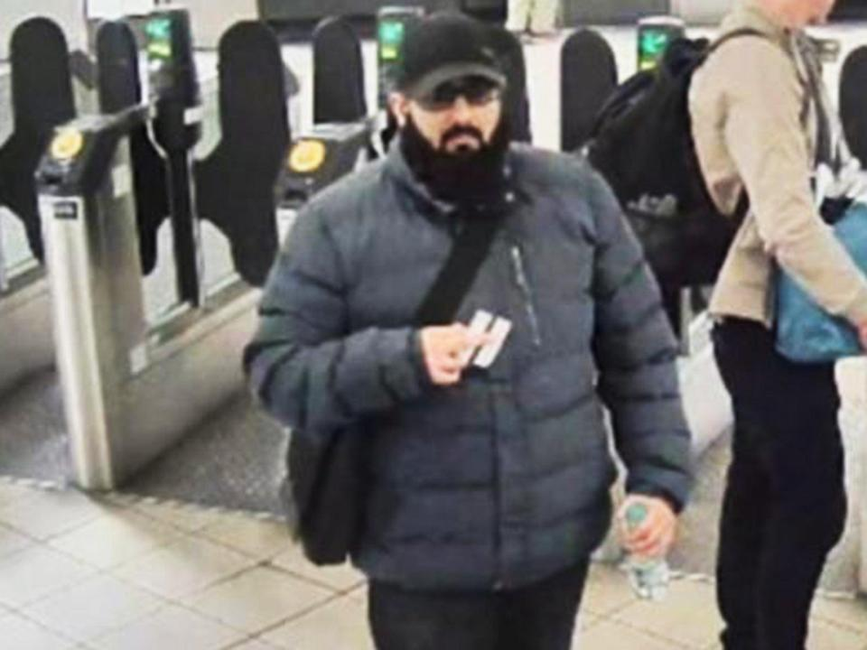 <p>Khan kept in touch with staff following his release from prison in 2018</p> (Metropolitan Police)