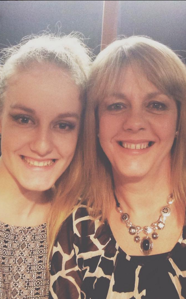 Charlotte Hart and her mother Claire - Credit: SWNS/SWNS
